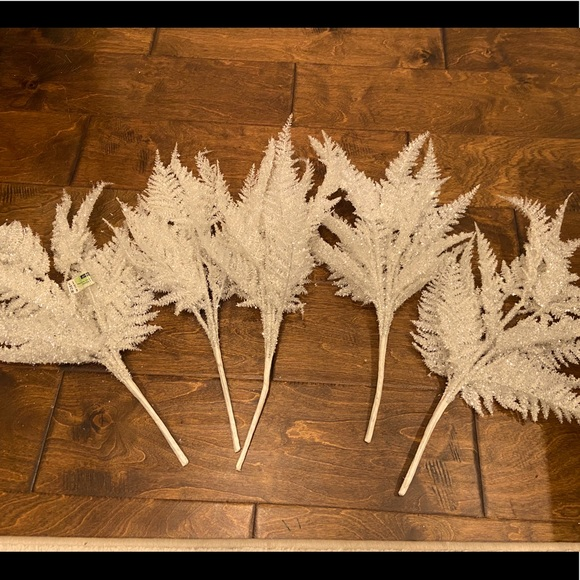 Super Sparkly White Leaves Holiday Vase Filler- 5
